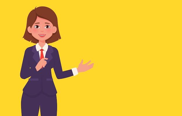 プレゼンテーションジェスチャーをするビジネススーツの笑顔の女性