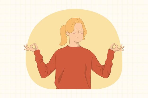 Улыбающаяся молодая женщина держится за руки в позе йоги расслабляющей медитации концепции