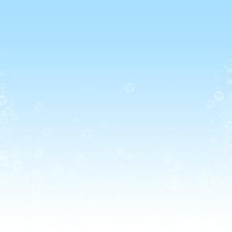 비누 거품 크리스마스 배경입니다. 겨울 하늘 배경에 미묘한 비행 눈 조각과 별. 정통 겨울 은색 눈송이 오버레이 템플릿입니다. 트렌드 벡터 일러스트 레이 션.