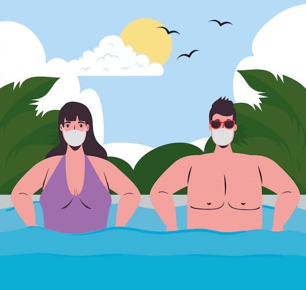 Социальное дистанцирование на пляже, пара в медицинской маске в море, новая нормальная летняя концепция пляжа после коронавируса или ковида