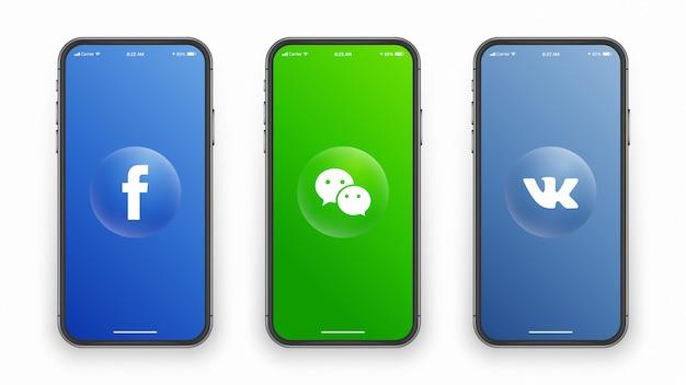 Социальные медиа логотип на экране телефона