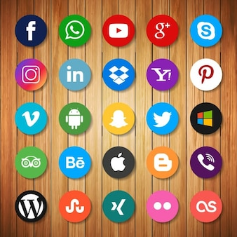 Social networking icons on wood