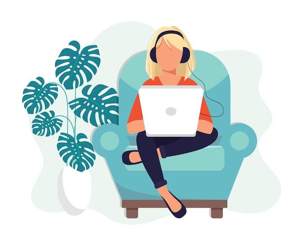 Иллюстрация социальных сетей. женщина с наушниками, используя ноутбук