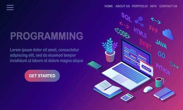 Разработка программного обеспечения, язык программирования, кодирование. 3d изометрические ноутбук, компьютер с цифровым приложением, изолированные на белом фоне. дизайн