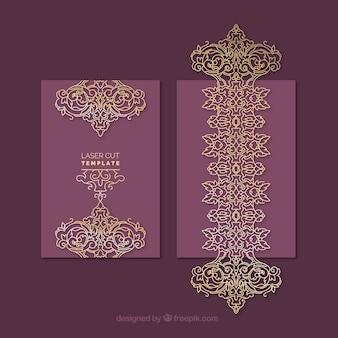 정교한 황금색과 보라색 장식 카드