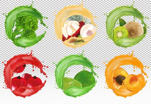 Всплеск сока на сладкие фрукты. свежая ягода красной смородины, плоды мангустина, киви, лайм, абрикос и брокколи.