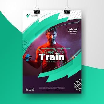Manifesto di sport con foto di addestramento dell'uomo