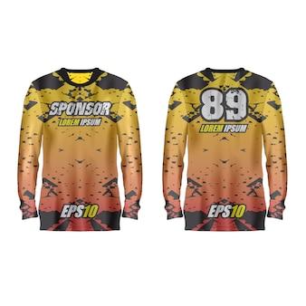 Комплект спортивной футболки