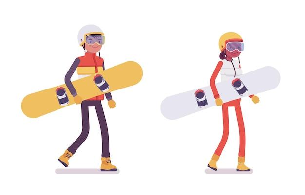 スノーボード用具を運ぶスポーティな男性と女性、スキーリゾートでの冬の野外活動、アクティブな休日、冬の観光。ベクトルフラットスタイル漫画イラスト分離、白い背景