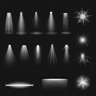 스포트라이트 빛나는 조명 효과 현실적인 세트. 흰색 광선과 광선이 조명된 램프를 반짝입니다. 광고, 영화, 디스코, 엔터테인먼트, 반짝이는 밝은 생생한 벡터를 위한 축제 광선 조명
