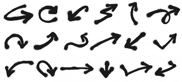 Распылите нарисованные стрелки. граффити, указывающая стрелку, грязный гранж краска векторные иллюстрации набор