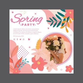 여자와 꽃 봄 파티를위한 정사각형 전단지 서식 파일