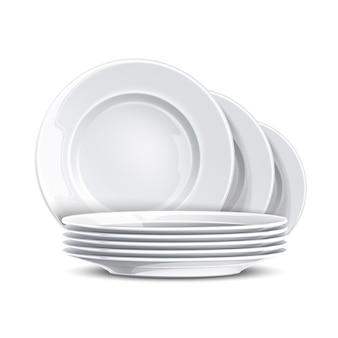 Стек чистых тарелок
