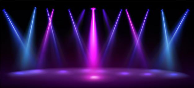 파란색과 분홍색으로 조명 된 무대는 램프의 컬러 빔이있는 스튜디오 극장 또는 클럽 인테리어의 바닥 현실적인 그림에 빛의 반점이있는 빈 장면을 조명합니다.