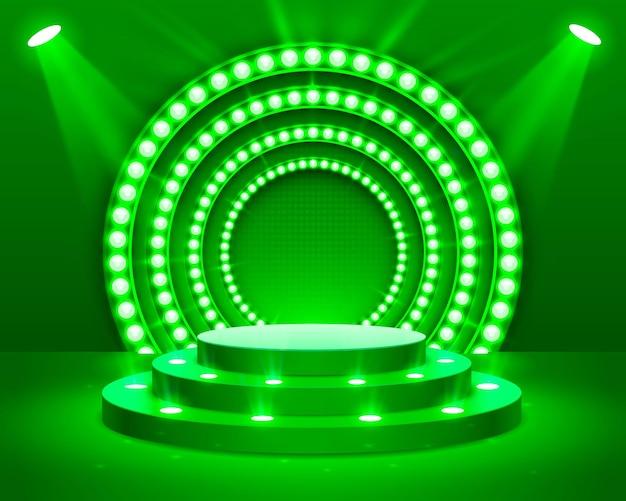 照明付きのステージ表彰台、緑の背景に授賞式のステージ表彰台シーン、ベクトル図