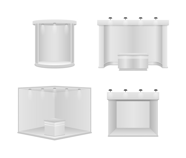スポットライト付きの標準展示スタンド。白い空白のパネル、広告スタンド。白い背景の上の創造的な展示ブースのデザイン。プレゼンテーションイベントルームのディスプレイ。