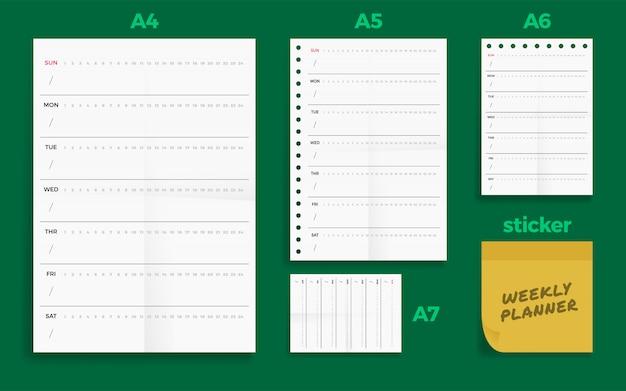 Набор скомканных четырех бланков standart формата еженедельник бланковый