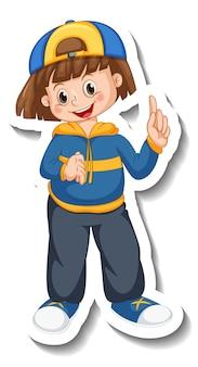 Il modello dell'autoadesivo con una ragazza felice indossa il personaggio dei cartoni animati del berretto isolato