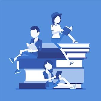 Студенты на стопке книг. группа счастливых молодых людей с удовольствием читает, посвящает учебу, сидит на гигантских книгах, библиофил, книжный червь. наука, концепция образования. иллюстрация, безликие персонажи