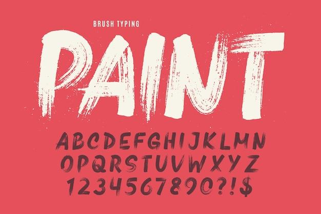 Стильной кистью нарисованы прописные буквы алфавита, шрифт оригинальная текстура