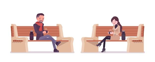 秋の服のイラストを着て公園のベンチに座っているスタイリッシュな男性と女性