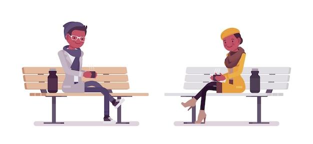 ベンチのイラストに座っているスタイリッシュな若い黒人男性と女性