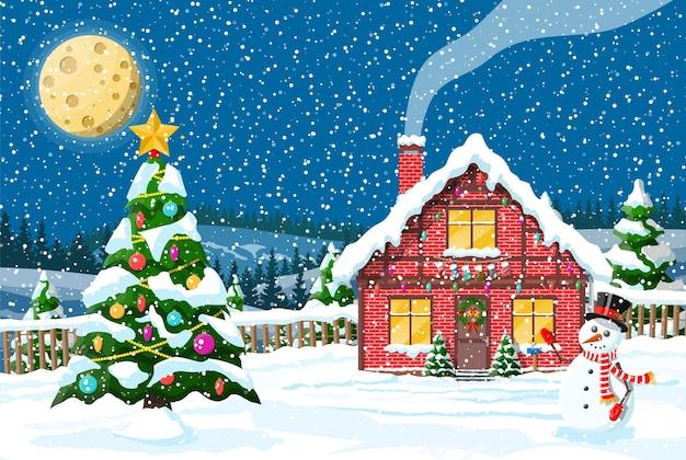 Загородный дом, покрытый снегом