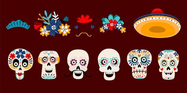 砂糖メキシコの頭蓋骨フラットベクトルイラストセット。白い背景で隔離の花とスケルトンの頭。ソンブレロの帽子に口ひげを生やした頭蓋骨。 dia de losmuertos休日の伝統的な装飾