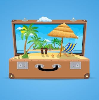 Чемодан и аксессуары для путешествий. отдых на пляже концепции.