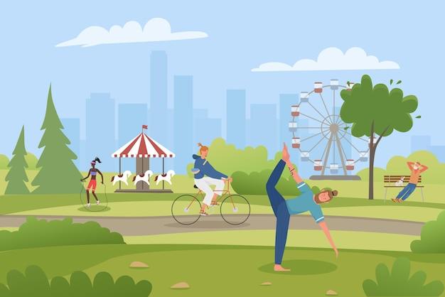 Летний парк развлечений: люди, отдыхающие на велосипеде, занимаются йогой или спортом