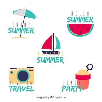 Коллекция летних значков с элементами пляжа