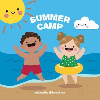 해변에서 아이들과 함께 여름 캠프 배경
