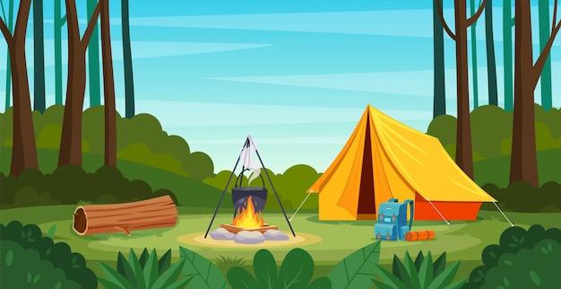Летний лагерь в лесу с костром, палатка, рюкзак.