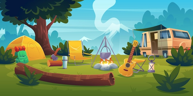 Campo estivo con falò, tenda, furgone, zaino, sedia e chitarra.