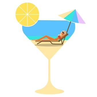 Летний коктейль, вечеринка, отдых. девушка в стакане на пляже под зонтиком от солнца