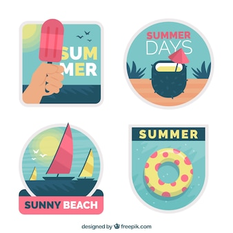 Коллекция летней симпатичной этикетки в плоском дизайне