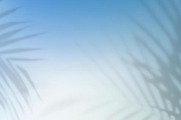 잎 그림자와 함께 여름 그라데이션 배경 벡터