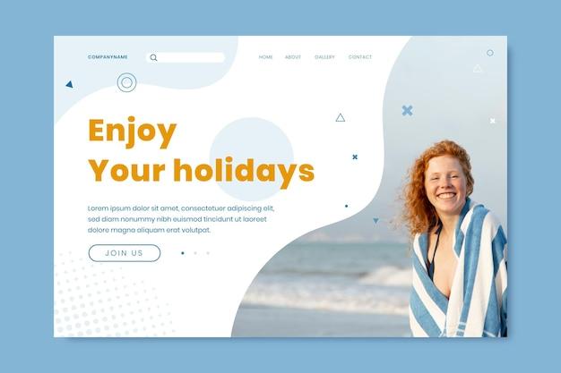 Modello di pagina di destinazione estiva con foto