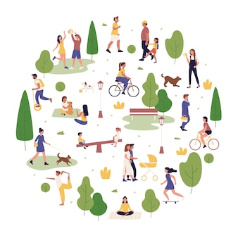 Иллюстрация активного отдыха в летнем парке. мультяшные активные люди проводят время в городском парке вместе, гуляют или играют с собакой, развлекаются и делают спортивные упражнения на белом