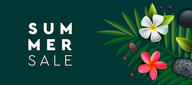 Летняя распродажа баннер с пальмовыми цветами франжипани фон для плаката, флаера, открытки, открытки, обложка, векторное изображение