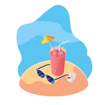 Летний песчаный пляж с коктейлем и иконами сцены