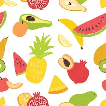 白い背景の上のおいしい甘いエキゾチックなフルーツと夏のシームレスなパターン。有機健康食品を使ったビーガンの背景。包装紙、テキスタイルプリント、壁紙のフラットの図。