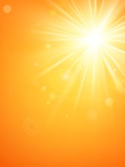夏のテンプレート暑い夏の太陽光線は、レンズフレアでバーストします。