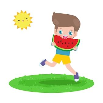 夏時間テンプレートバナー白い背景で隔離の暑い晴れた日の休暇フラット漫画でスイカを保持し、幸せな気持ちでジャンプするかわいい小さな子供たち
