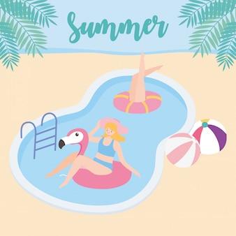 ボールとフラミンゴフロート休暇観光でプールで夏の時間の女性