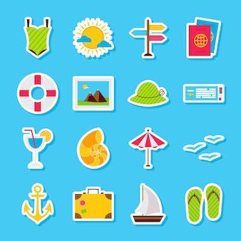 夏の旅行ステッカー。ベクトルイラストフラットスタイル。季節の休日のシンボルのコレクション。