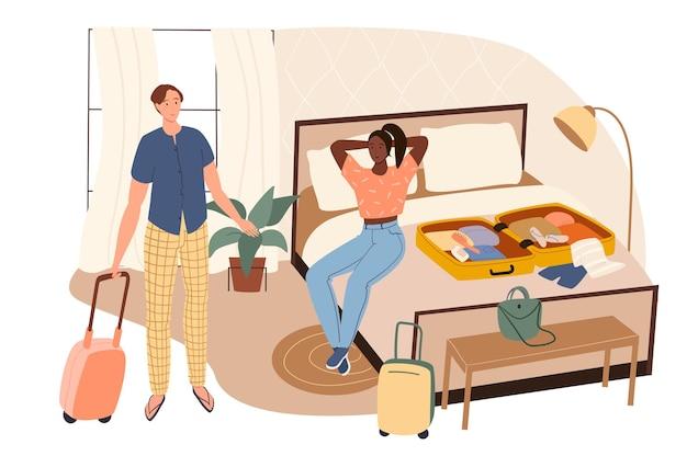 夏の旅行ウェブコンセプト。自宅でスーツケースに洋服を詰めて休暇に行くカップル。男と女は休暇に行きます