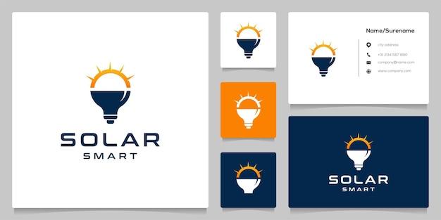 명함이 있는 밝은 태양 전구 기술 로고 디자인