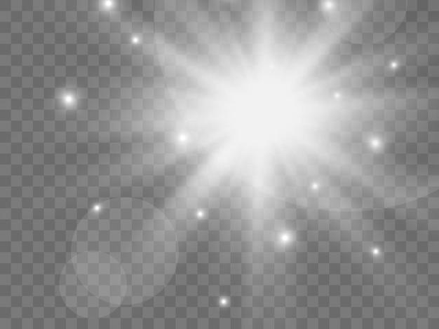 투명한 배경에 햇빛. 빛의 고립 된 흰색 광선입니다. 벡터 일러스트 레이 션