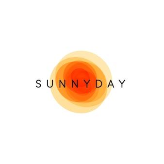 Солнечный день, абстрактное солнце, векторный шаблон логотипа, круглые оранжевые формы с названием компании на белом фоне
